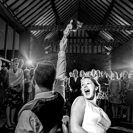 5 Reasons to Choose a Photojournalistic Wedding Photographer.