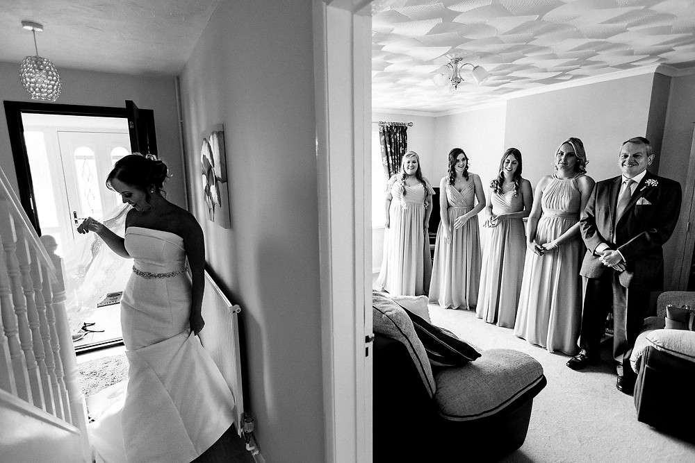 brides first look with father