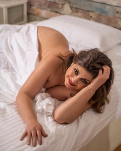 Beatriz Boudoir curvymodel