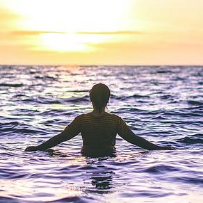 42. nager dans la mer