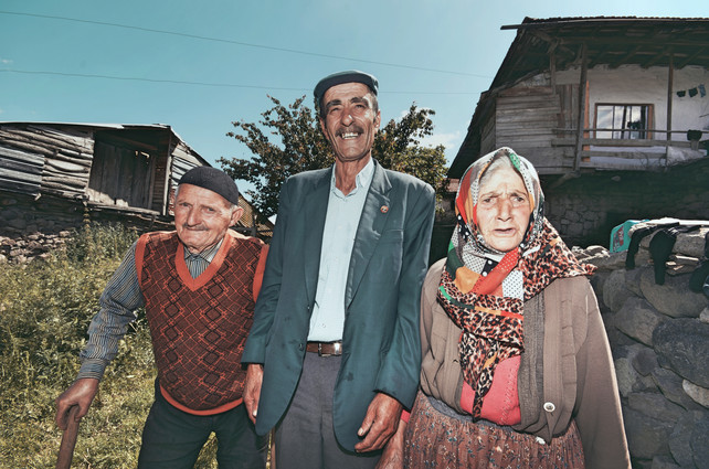 Kislacik Villagers