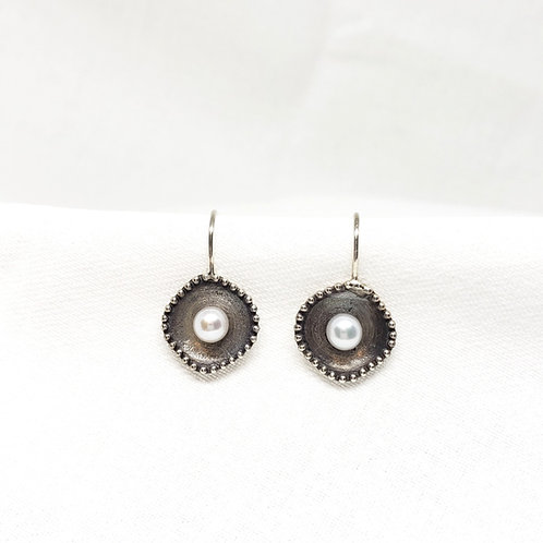 Organic Shape Pearl Earrings
