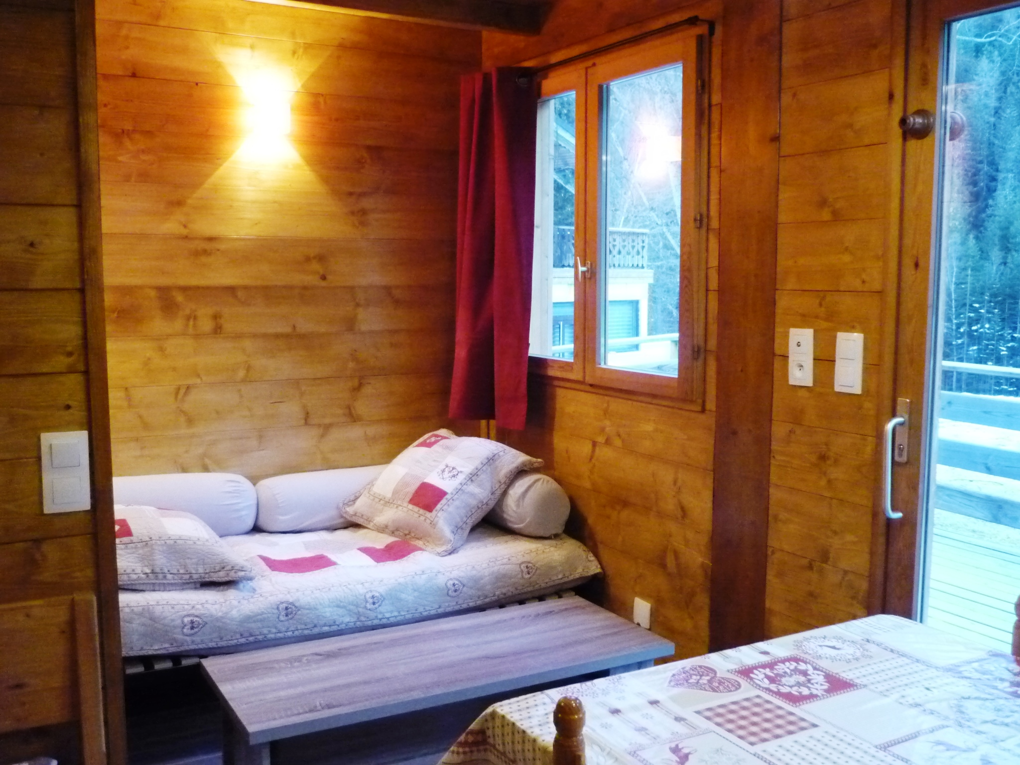 camping-chalet-Chamois-les Lanchettes_Peisey-Vallandry_int7