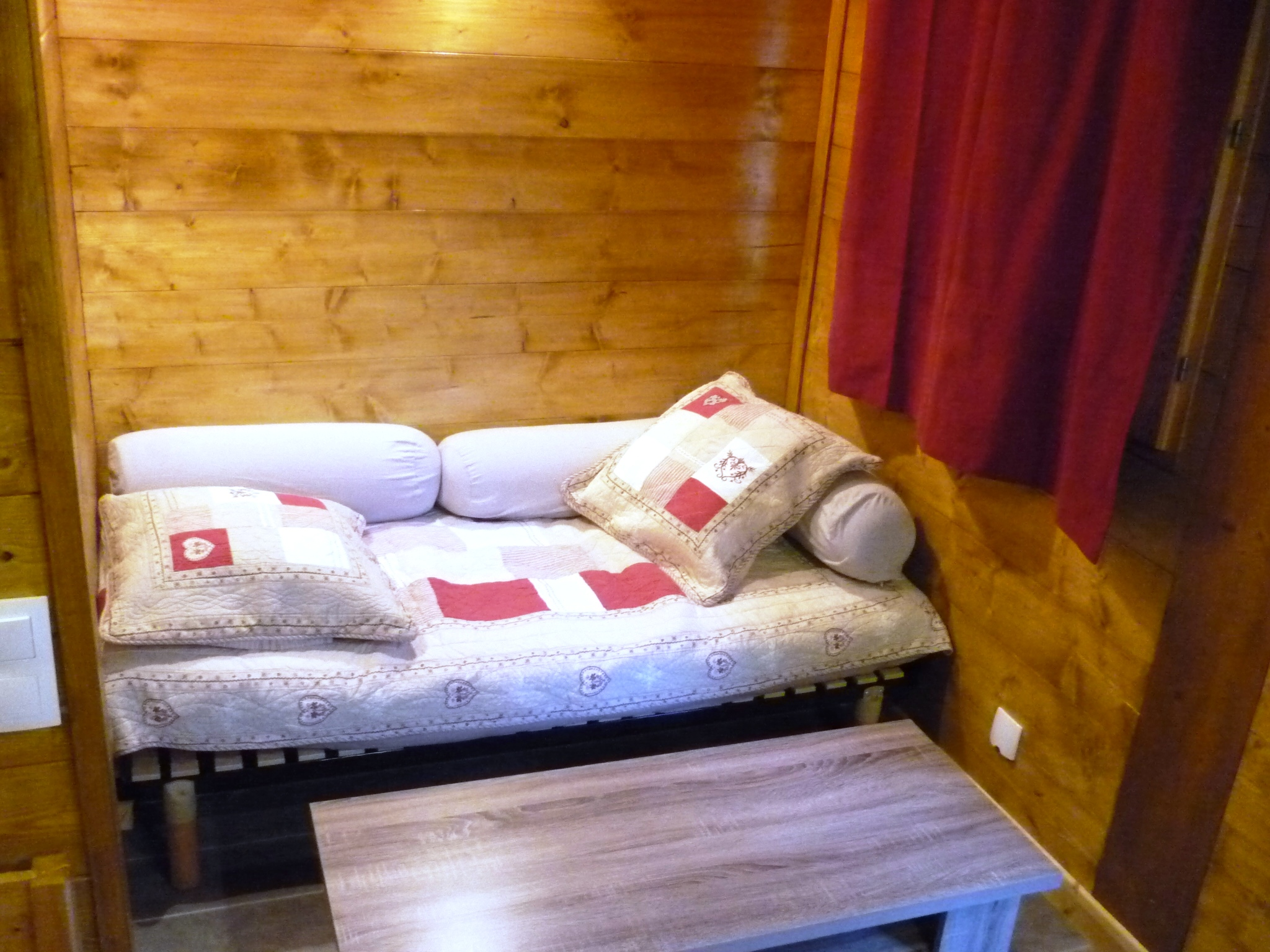 camping-chalet-Chamois-les Lanchettes_Peisey-Vallandry_int3