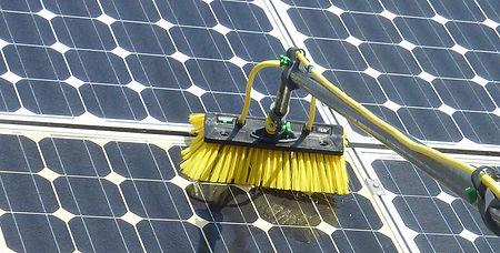 utilisations-Nettoyage-panneaux-solaires