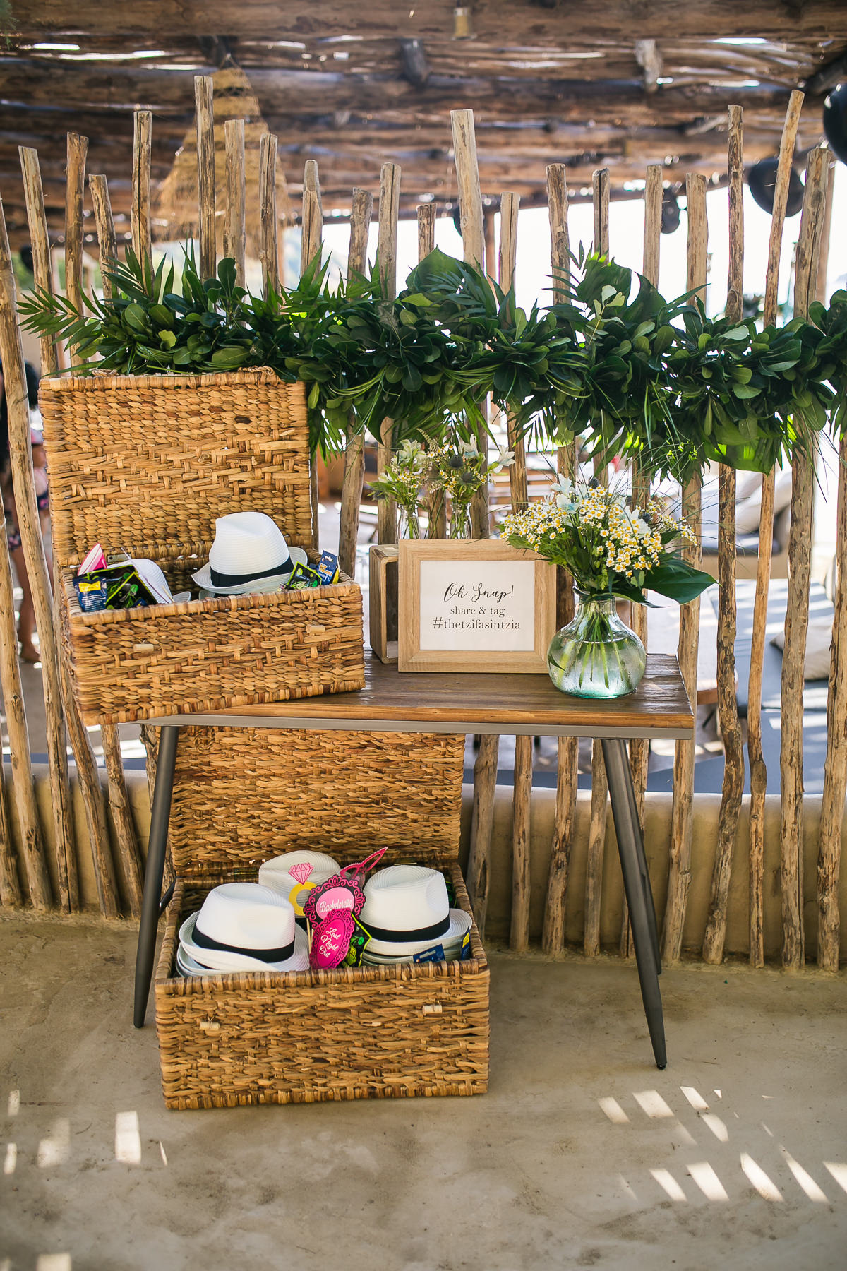 Tropical prewedding party Kea