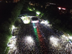 12000 Fans Sing with The Wolfetones