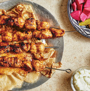 grilled-chicken-skewers-with-toum-del-ca
