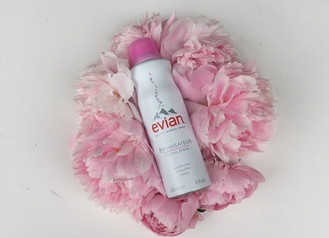 #STAYCOOL THIS SUMMER WITH EVIAN® SPRAY