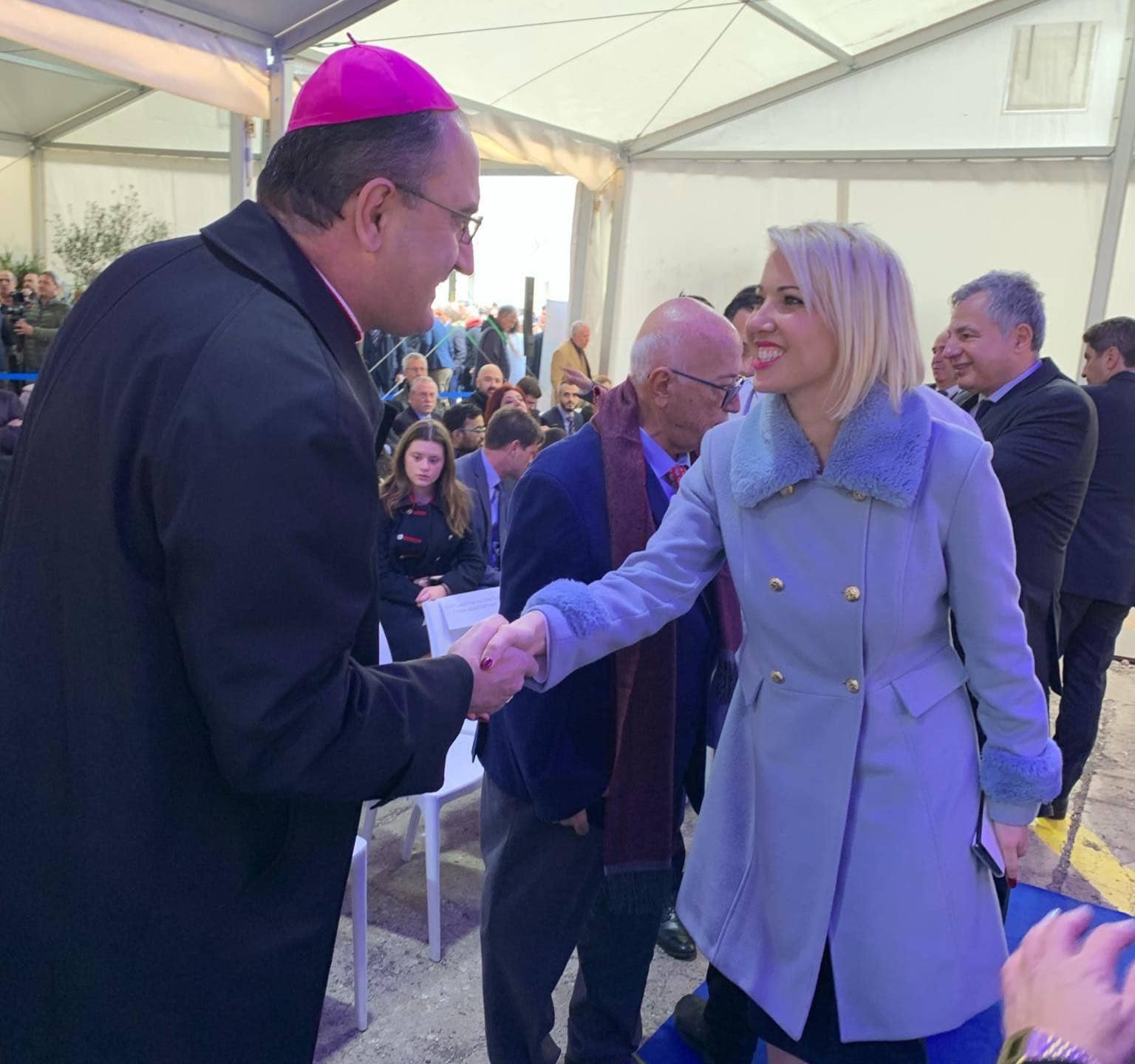 Με τον Καθολικό Επίσκοπο Σύρου π.Πέτρο Στεφάνου