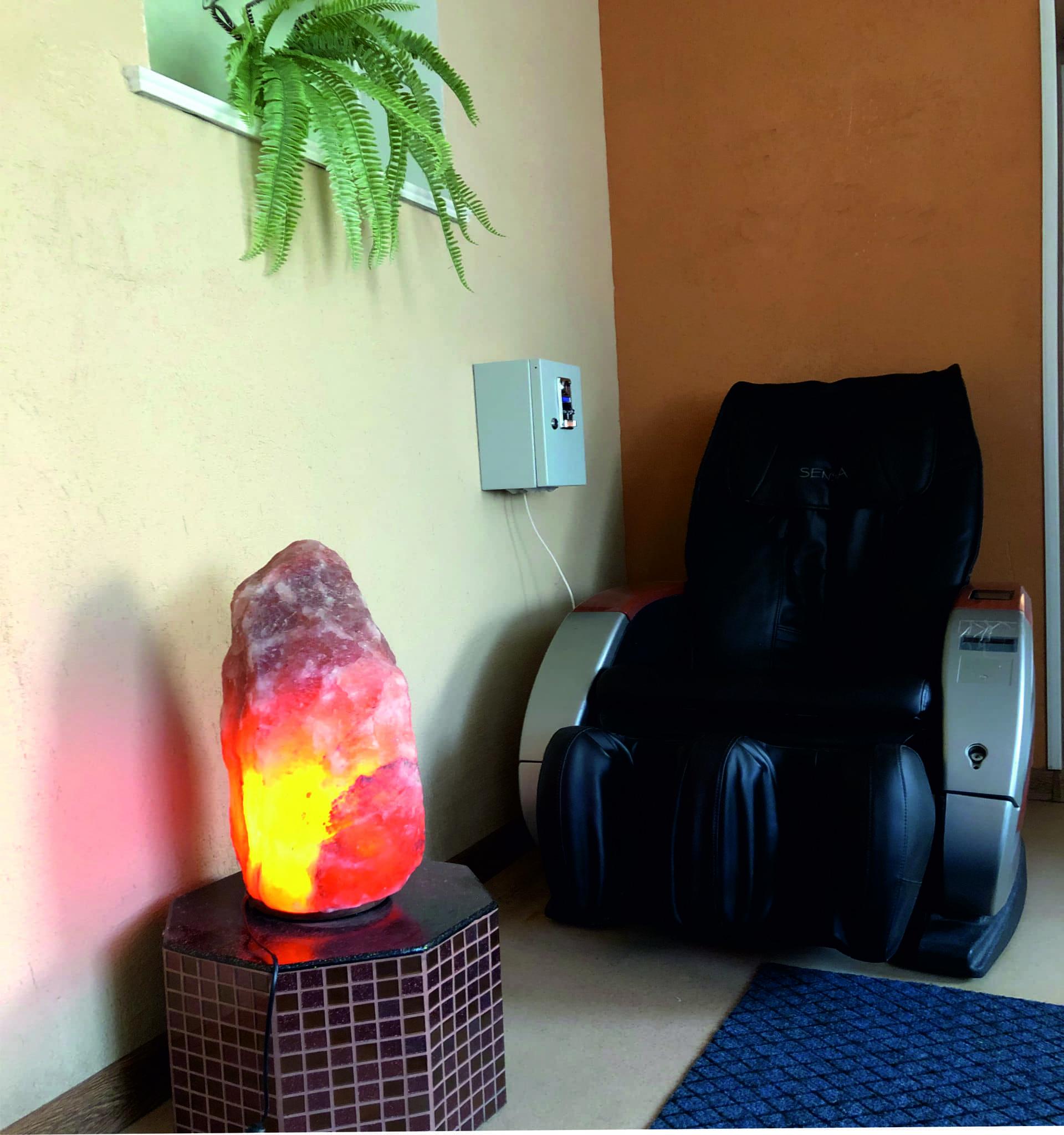 Массажное кресло с лампой (1) (1)