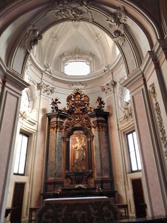 S.Marco, statua della Madonna della Cintura.jpg