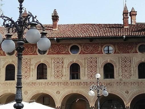 palazzi di piazza Ducale, Vigevano.jpg