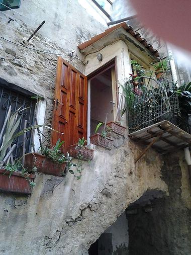 Riva Ligure, particolare di una casa.jpg