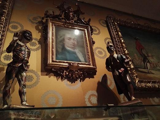 museo Scala, le maschere e Goldni.jpg