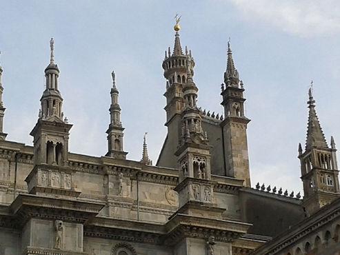 Como, le guglie del Duomo.jpg