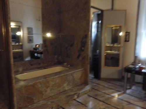 Villa Necchi, bagno con vasca.jpg