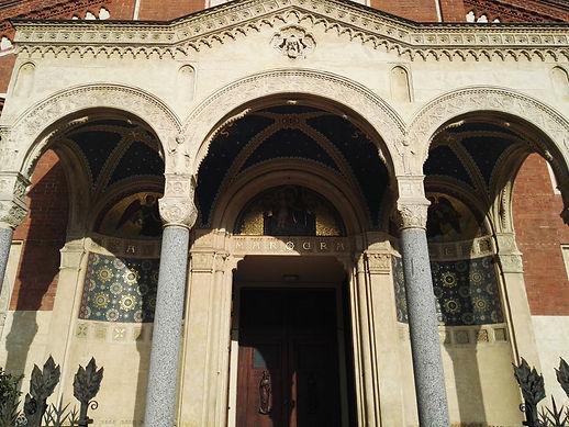 La facciata con portico di S.Eufemia.jpg
