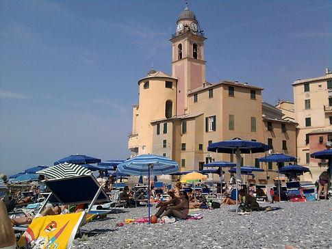 Camogli , S.Maria Assunta dalla spiaggia
