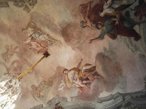 Pal.Morando, soffitto affrescato.jpg