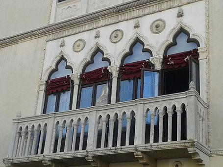 Chioggia, palazzo veneziano.jpg