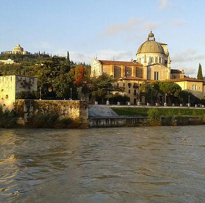 Verona, Lungadige, basilica S.Giorgio.jp