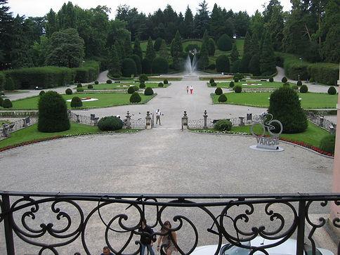 Varese, giardino all'italiana di pal.Est