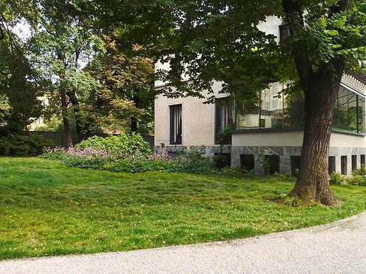 Villa Necchi Campiglio, il giardino.jpg