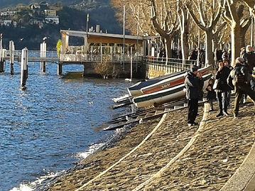 Lecco, la riva del lago.jpg