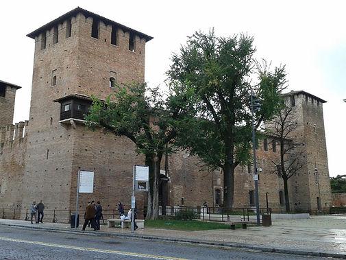 Verona, Castevecchio.jpg