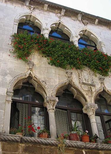 Porec, palazzo gotico-veneziano.jpg