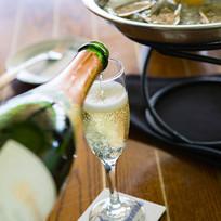 HomepageSlide05_ChampagneOysters.jpg