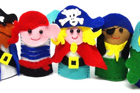 Four Pirates and a Parrot Finger Puppets