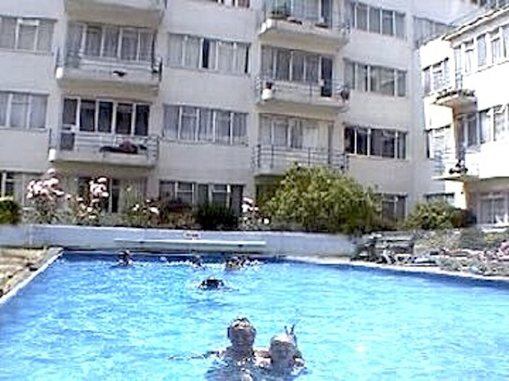 Pullman Court swimming pool