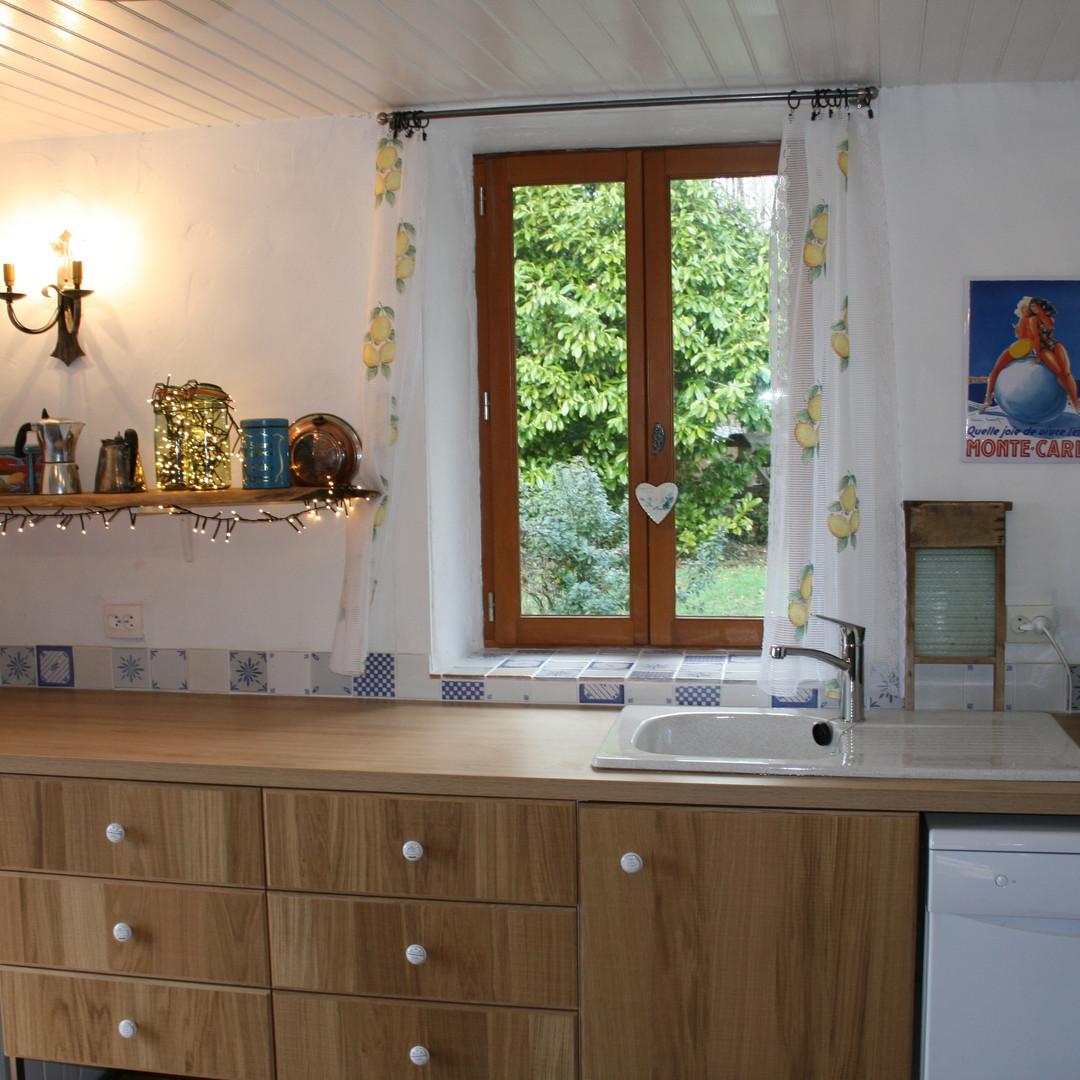 Noix kitchen 2.jpg