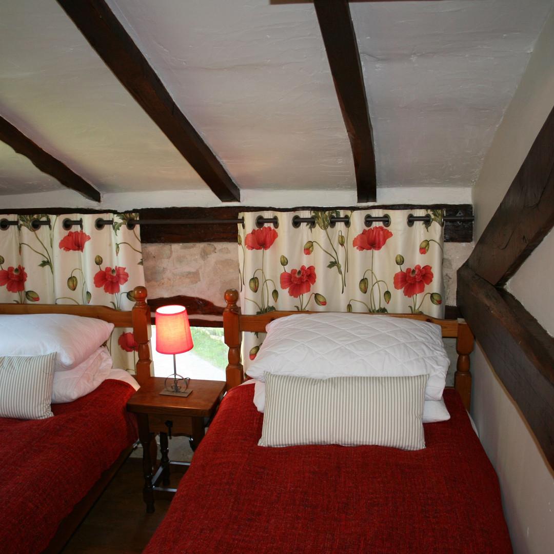 Noix twin beds.jpg