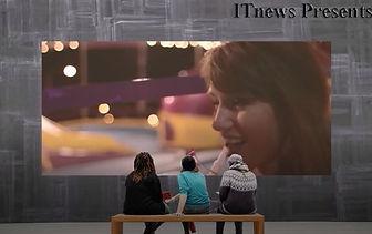 公園の壁がデジタルサイネージです。この画像はIP_STUDIOで作成してます。