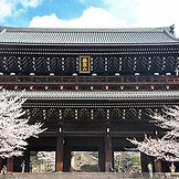 sanmon_spring.jpg