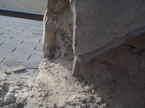 Chimney mortar deterioration