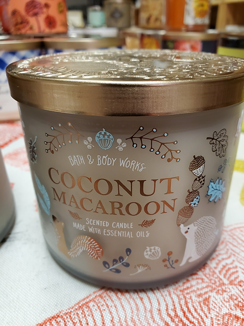 Coconut Macaroon Candle