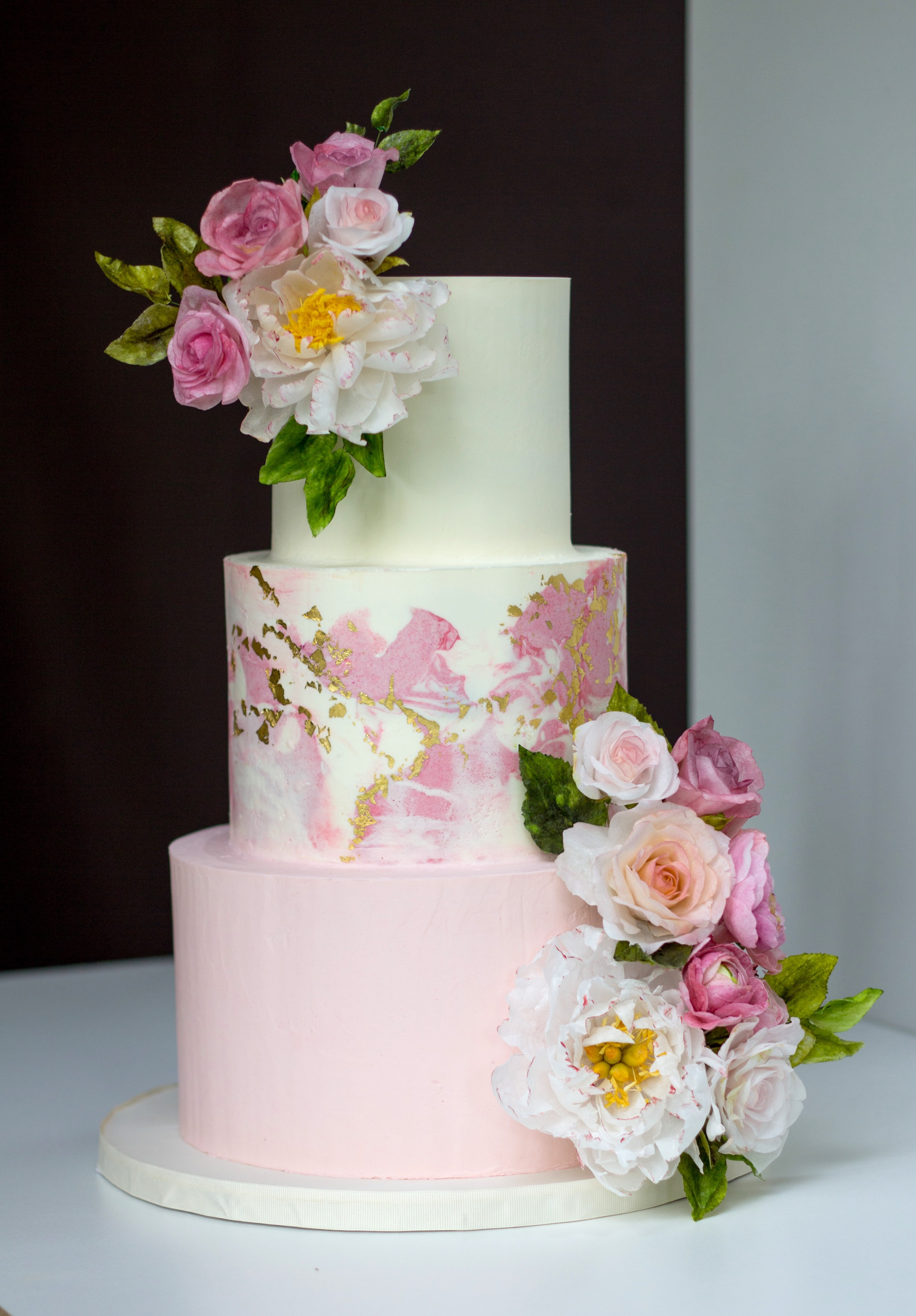 Marbled buttercream & wafer paper flower