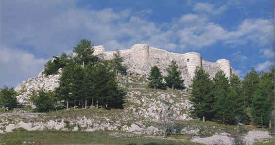 Castello Medievale di Roccamandolfi (IS)
