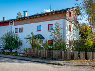 Teil-Aufstockung des bestehendes Wohnhauses inkl. Wintergarten und Erneuerung der Fenster inkl. Bauplanung und Bauleitung