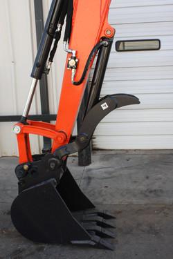 KX033-4 with Hydraulic Thumb