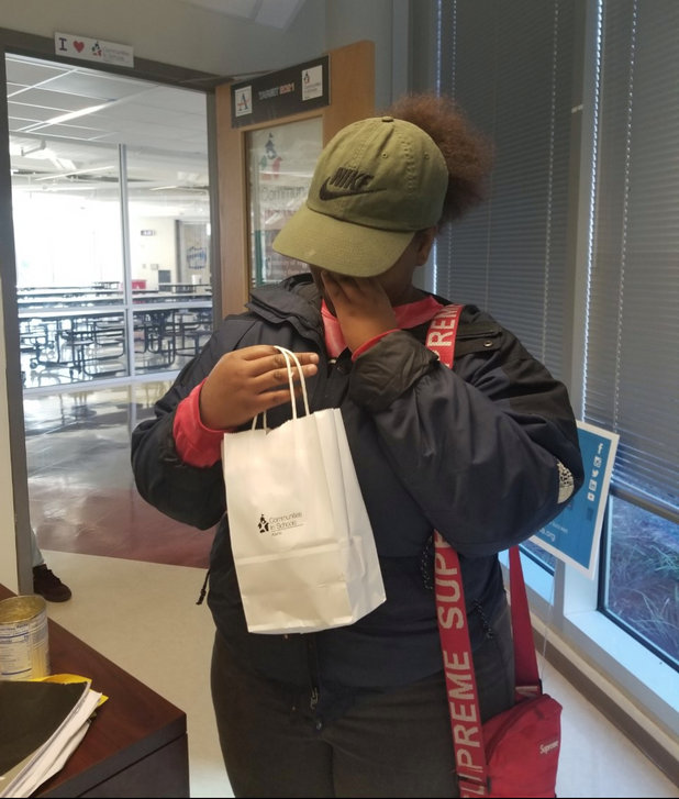 On the Frontline! CIS of Atlanta Students Receive Beauty Gift Bags During Holiday