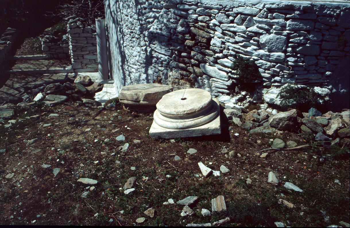 Άποψη του ναΐσκου της Μεταμόρφωσης του Σωτήρος, κτισμένου επάνω σε αρχαίο κτήριο