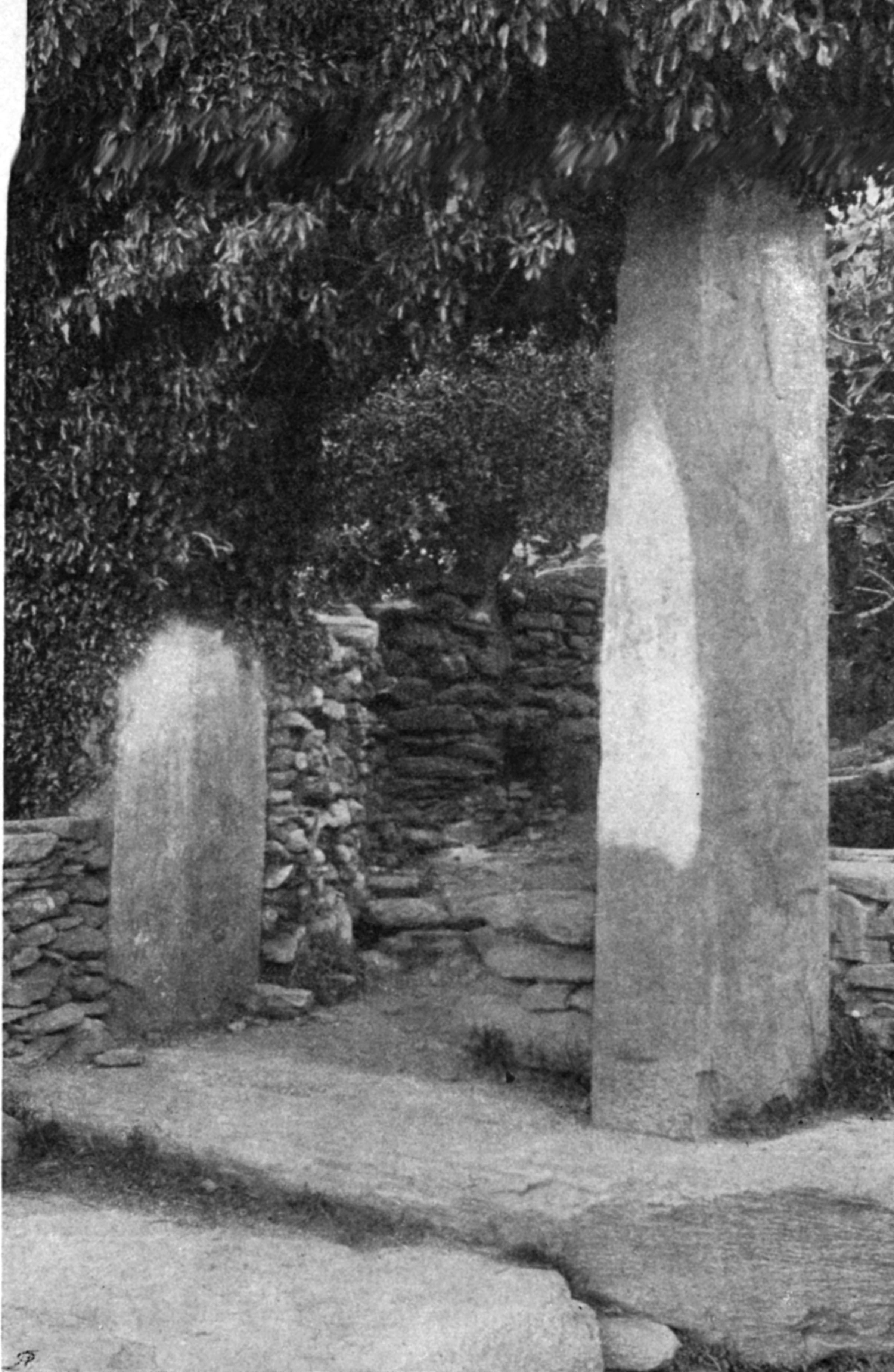 Η «Πόρτα», πύλη του τείχους της αρχαίας πόλης (αρχές 19ου αι.)