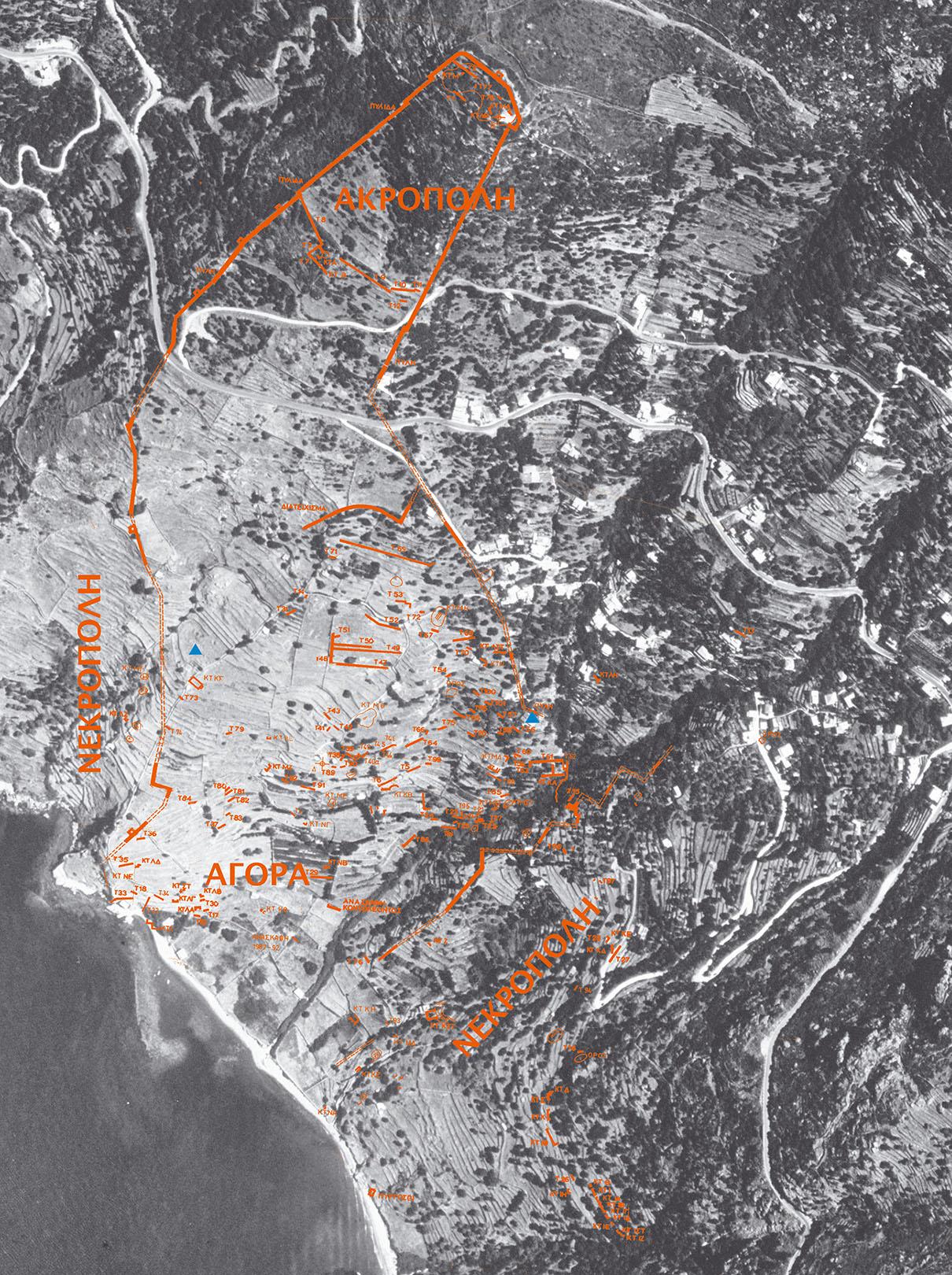 Παλαιόπολη. Αεροφωτογραφία του χώρου με τα ερείπια της αρχαίας πόλης