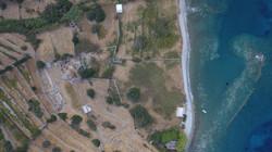 Αεροφωτογραφία του χώρου της αγοράς και του λιμανιού της αρχαίας Άνδρου.