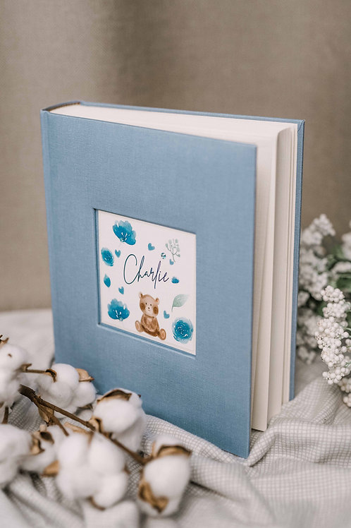 Blue baby boy photo album with personalized card, 25x20 cm, 200 photos
